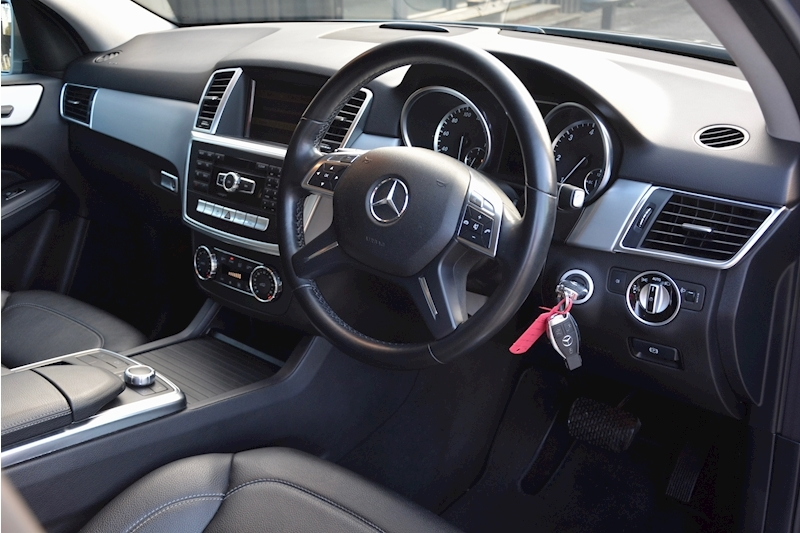 Mercedes-Benz ML 250 Special Edition ML 250 2.1 BluTec Image 28