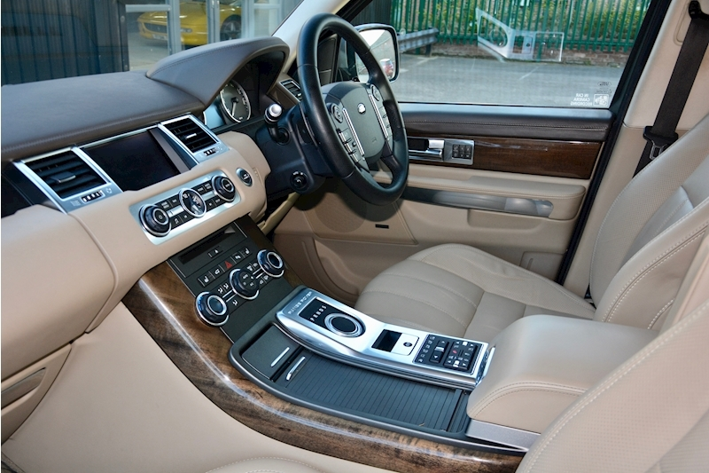 Land Rover Range Rover Sport HSE Luxury LR+1 Lady Owner + Comprehensive History + Outstanding Image 6