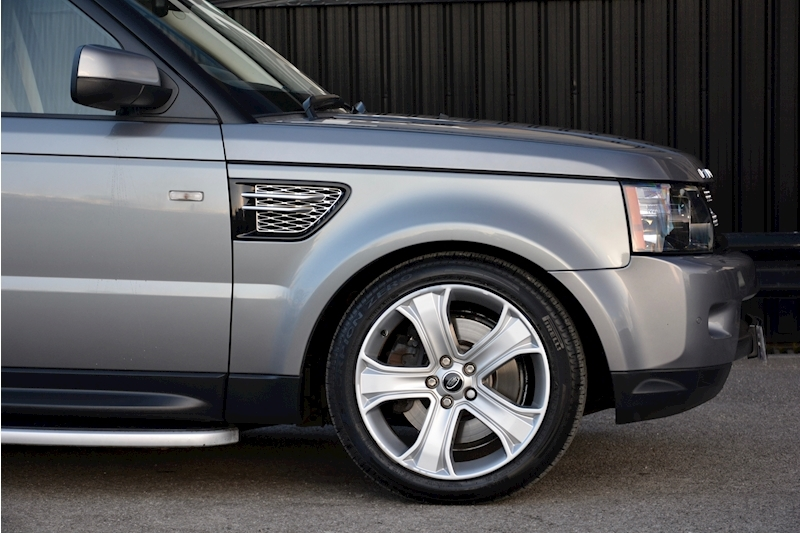 Land Rover Range Rover Sport HSE Luxury LR+1 Lady Owner + Comprehensive History + Outstanding Image 49
