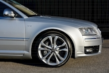 Audi S8 5.2 V10 Full Audi Dealer History + Ceramic Brakes + Adaptive Cruise - Thumb 12
