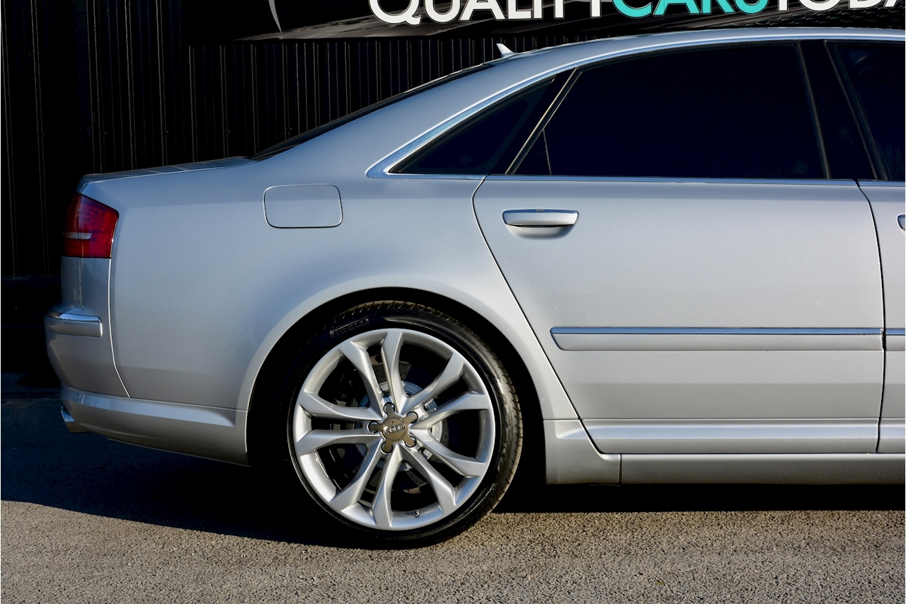 Audi S8 5.2 V10 Full Audi Dealer History + Ceramic Brakes + Adaptive Cruise - Large 11