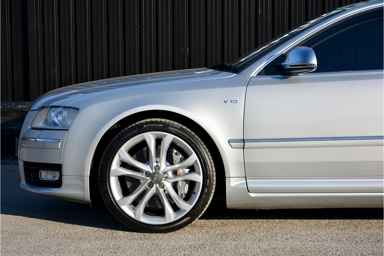 Audi S8 5.2 V10 Full Audi Dealer History + Ceramic Brakes + Adaptive Cruise - Large 13