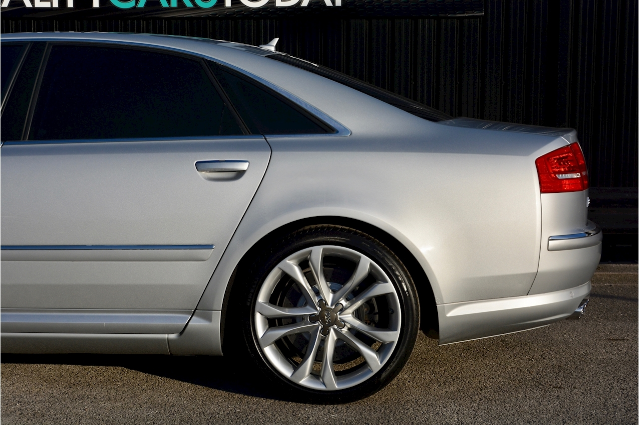 Audi S8 5.2 V10 Full Audi Dealer History + Ceramic Brakes + Adaptive Cruise - Large 14