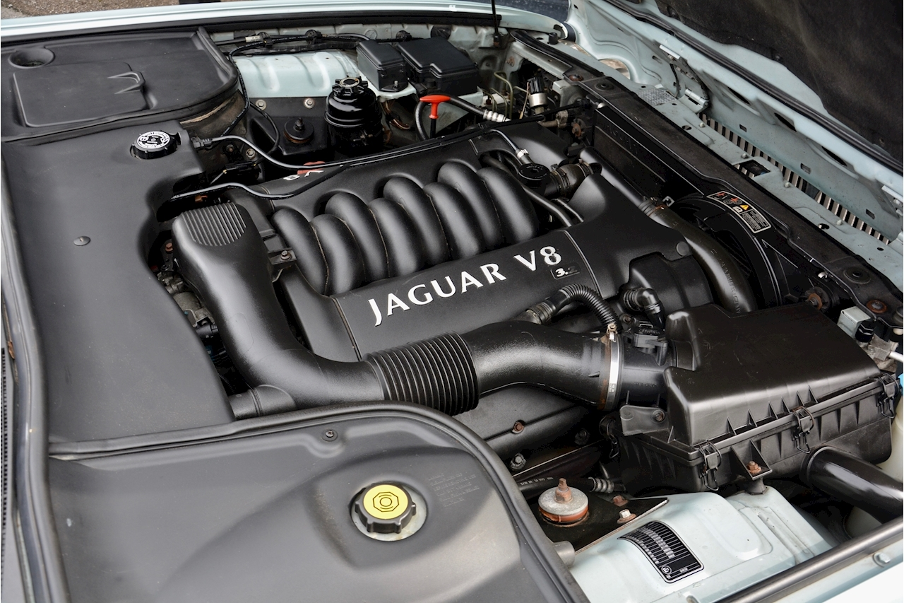 Jaguar XJ8 3.2 V8 3 Former Keepers + New Engine in 2005 + Ex Show Winner - Large 33
