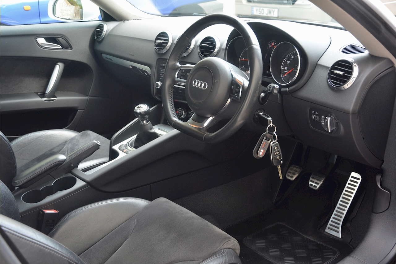 Audi TT Diesel Quattro Full Service History + Previously Supplied by Ourselves - Large 5