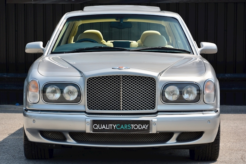 Bentley Arnage Arnage Red Label 6.8 4dr Saloon Automatic Petrol Image 2
