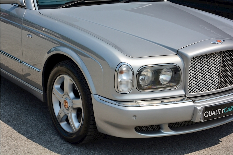 Bentley Arnage Arnage Red Label 6.8 4dr Saloon Automatic Petrol Image 9