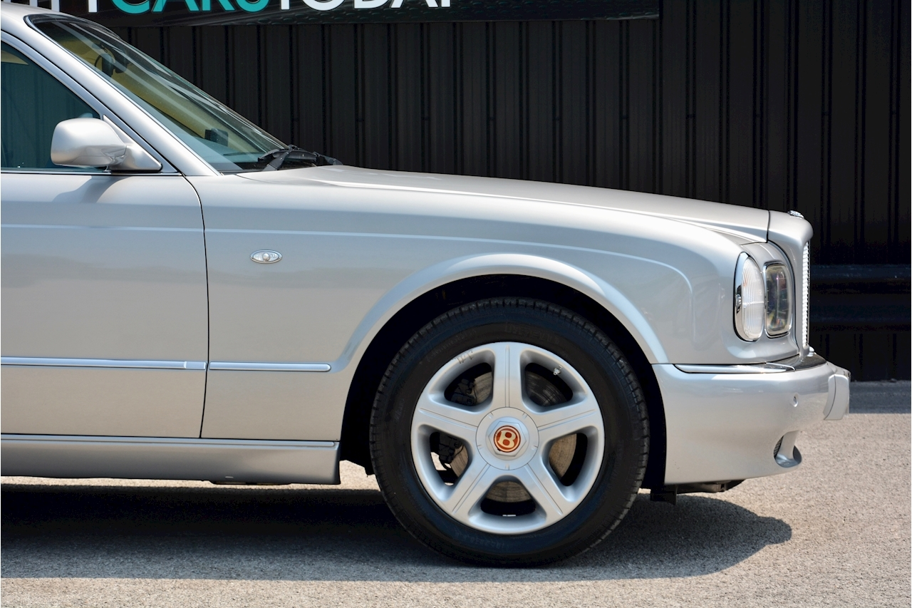 Bentley Arnage Arnage Red Label 6.8 4dr Saloon Automatic Petrol - Large 8