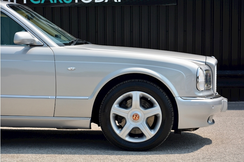 Bentley Arnage Arnage Red Label 6.8 4dr Saloon Automatic Petrol Image 8