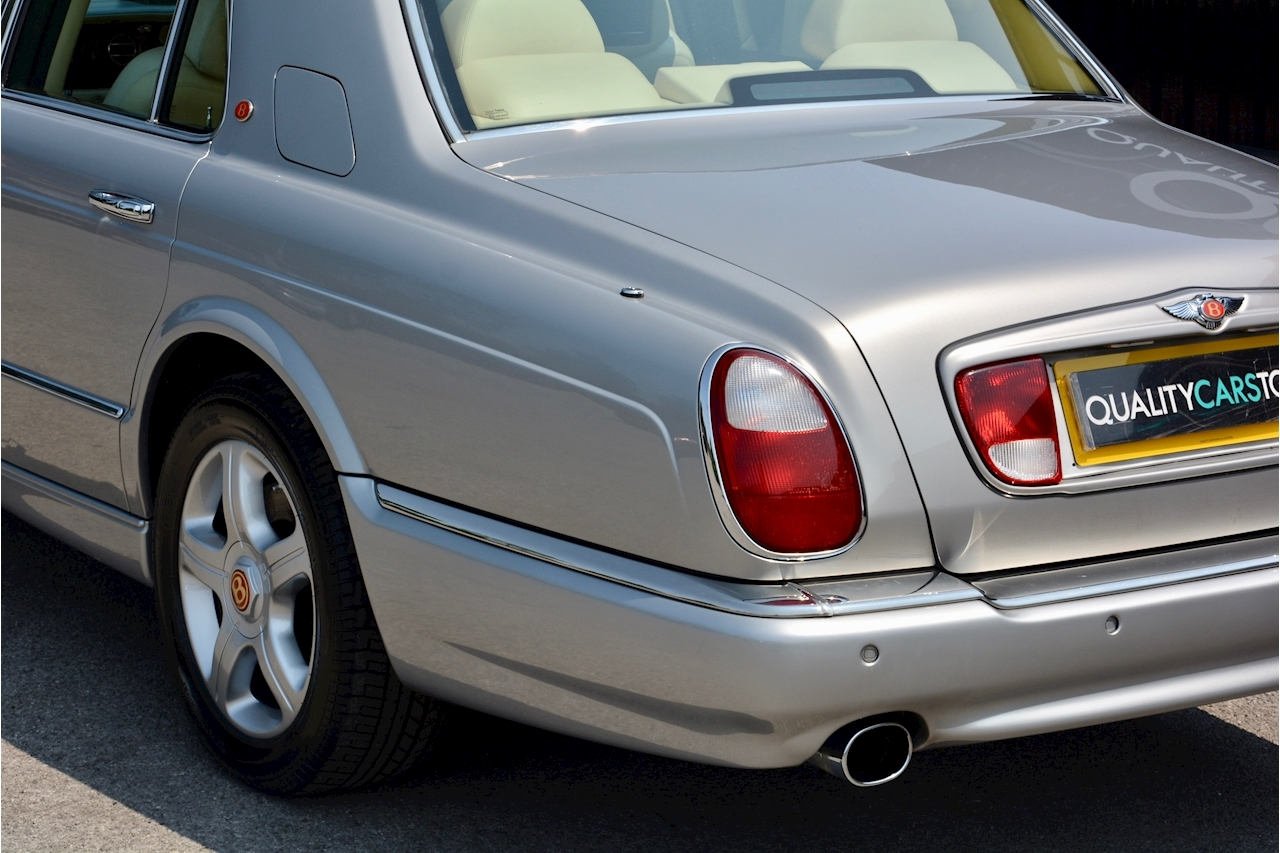 Bentley Arnage Arnage Red Label 6.8 4dr Saloon Automatic Petrol - Large 13