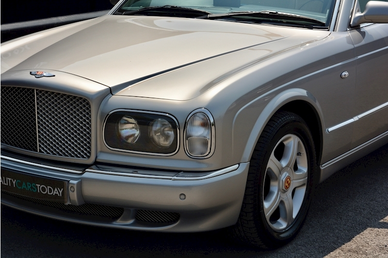 Bentley Arnage Arnage Red Label 6.8 4dr Saloon Automatic Petrol Image 10