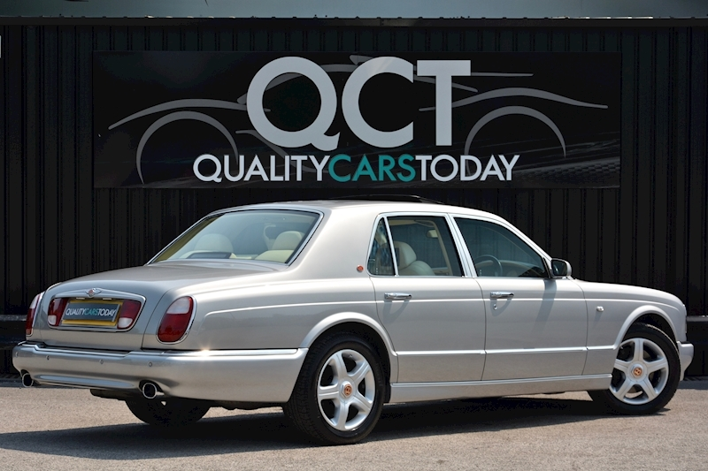 Bentley Arnage Arnage Red Label 6.8 4dr Saloon Automatic Petrol Image 5