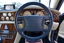 Bentley Arnage Arnage Red Label 6.8 4dr Saloon Automatic Petrol - Thumb 33