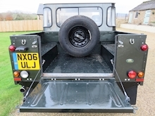 Land Rover Defender 110 Td5 Double Cab - Thumb 10