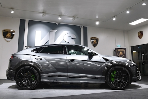 Urus V8 Estate 4.0 Automatic Petrol NERO DESIGNS VAT Q