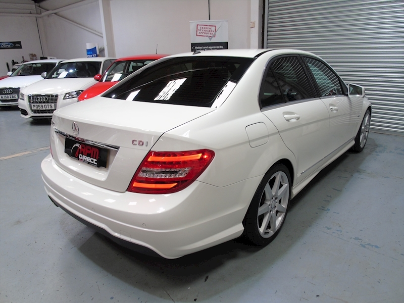 Mercedes-Benz C Class 2.1 C220 CDI Blueefficiency Sport auto 4dr - Large 2