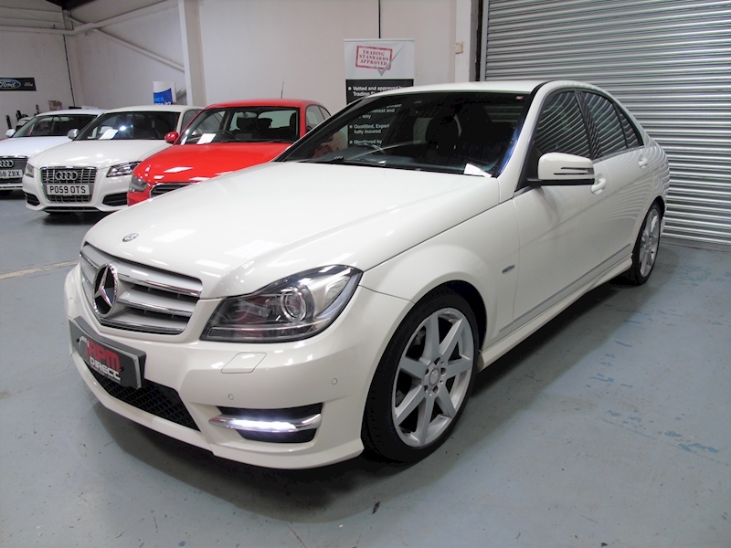 Mercedes-Benz C Class 2.1 C220 CDI Blueefficiency Sport auto 4dr - Large 1