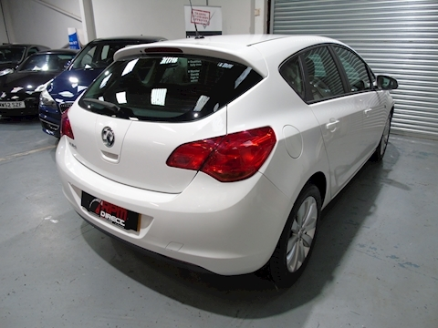 Astra Exclusiv 5dr - P/X TO CLEAR 1.4 5dr Hatchback Manual Petrol