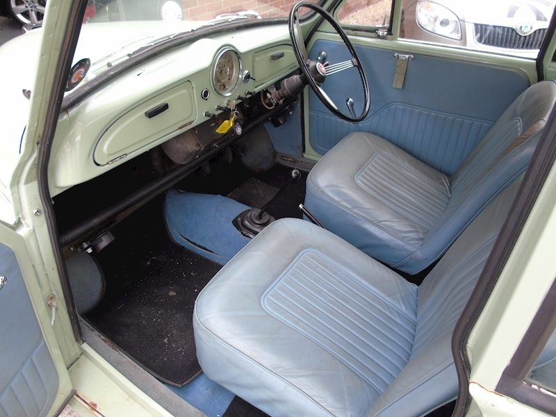 Morris Minor  1000 2dr - Large 11