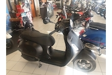 GTS 300 HPE NOTTE SCOOTER 300 AUTO PETROL