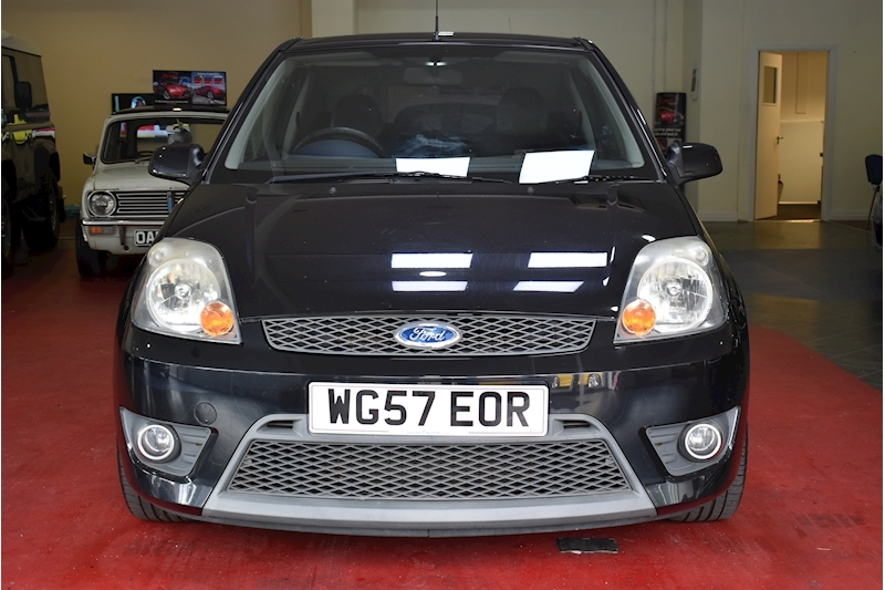 Ford Fiesta 2.0 St 16V - Large 2