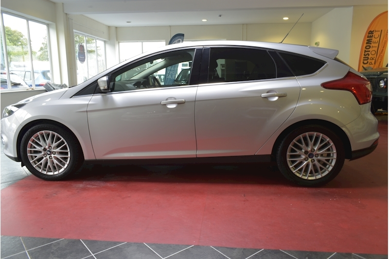 Ford Focus 1.6 Zetec Tdci - Large 4