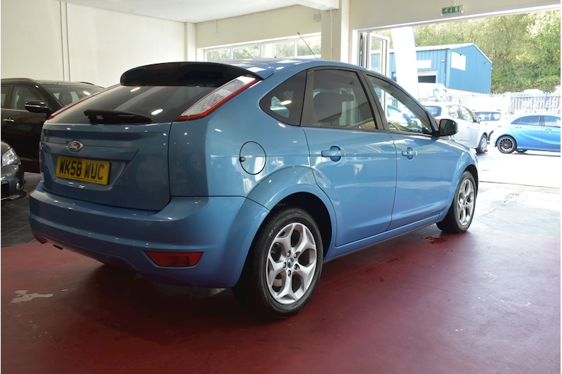 Ford Focus 1.8 Style - Large 5