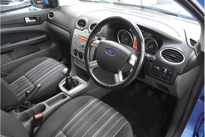 Ford Focus 1.8 Style - Large 7