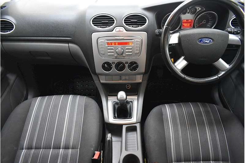 Ford Focus 1.8 Style - Large 16