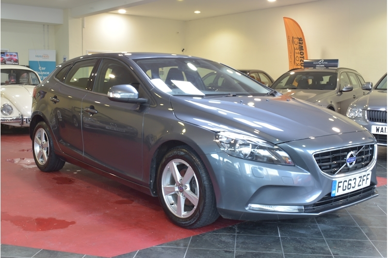 V40 D2 Es Nav Hatchback 1.6 Manual Diesel