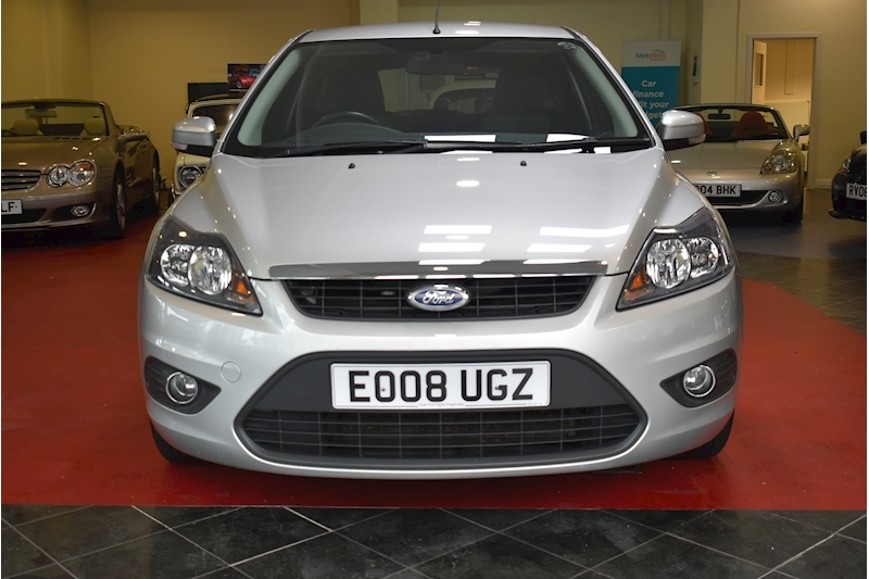 Ford Focus 1.8 Zetec - Large 2