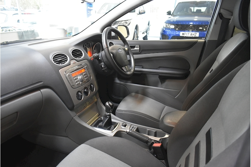 Ford Focus 1.8 Zetec - Large 14