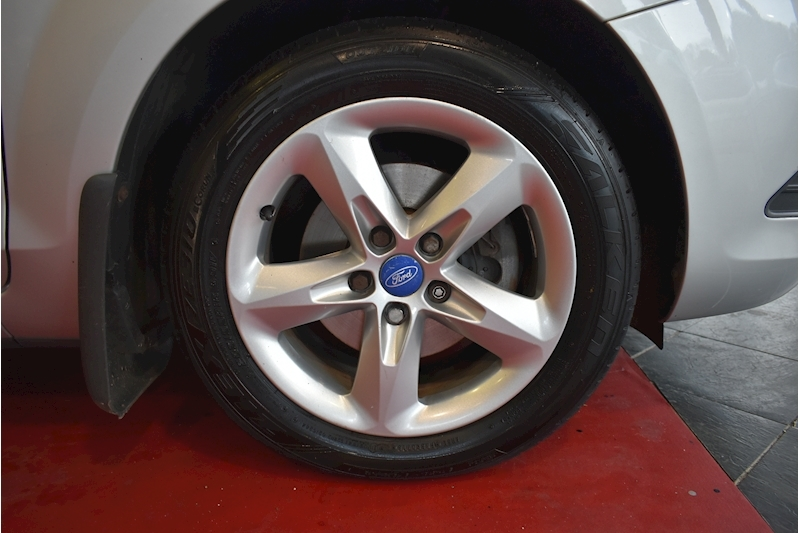 Ford Focus 1.8 Zetec - Large 22