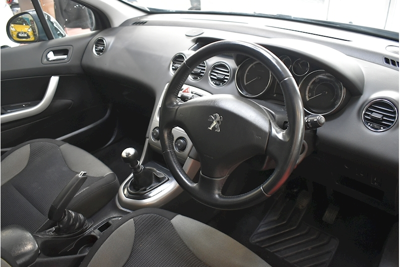 Peugeot 308 1.6 E-Hdi Active - Large 9