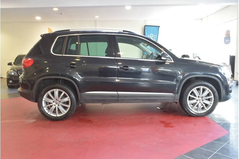 Volkswagen Tiguan 2.0 Sport Tdi Bluemotion Technology 4Motion - Large 8