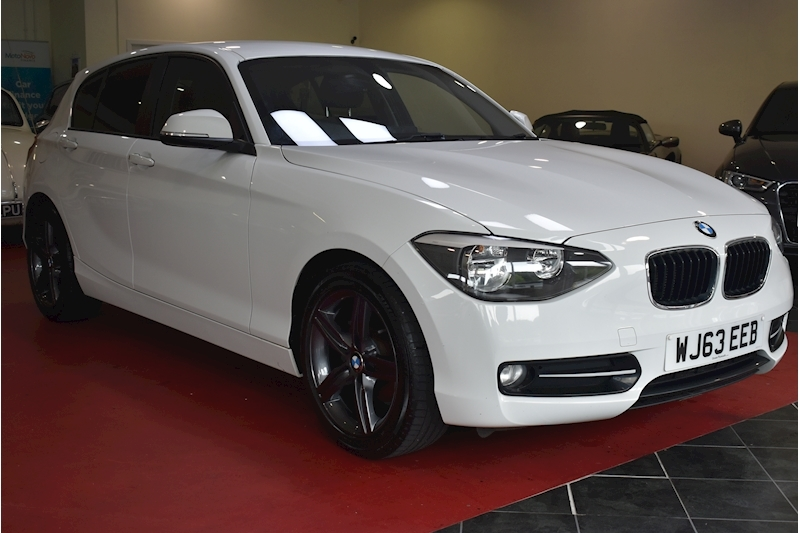 BMW 1 Series 1.6 116i Sport 5-door - Video