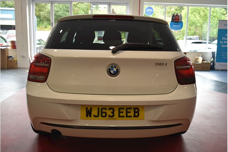 BMW 1 Series 1.6 116i Sport 5-door - Large 5