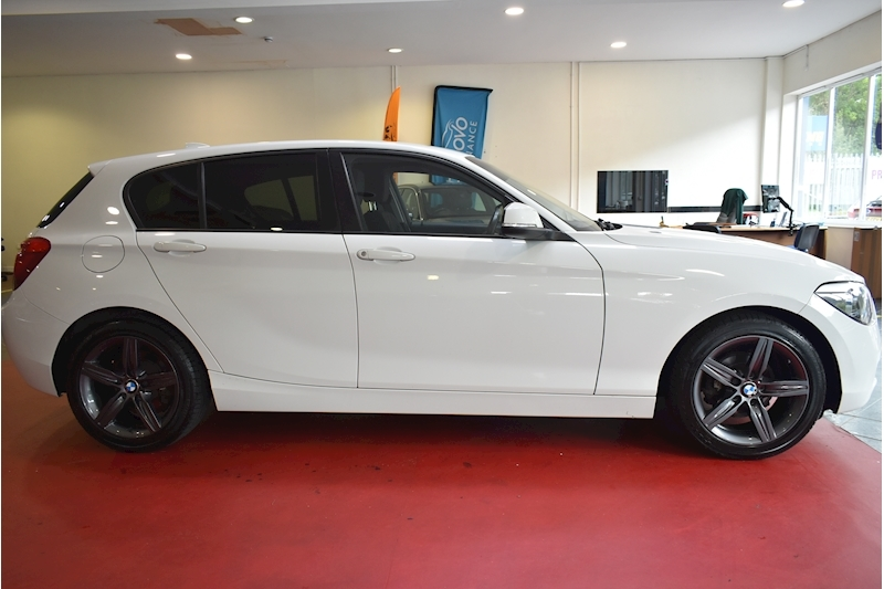 BMW 1 Series 1.6 116i Sport 5-door - Large 7