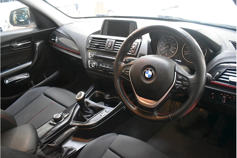 BMW 1 Series 1.6 116i Sport 5-door - Large 8