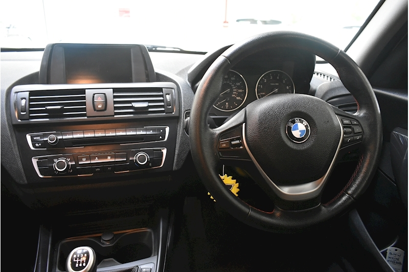 BMW 1 Series 1.6 116i Sport 5-door - Large 16
