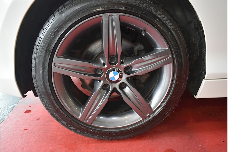 BMW 1 Series 1.6 116i Sport 5-door - Large 28