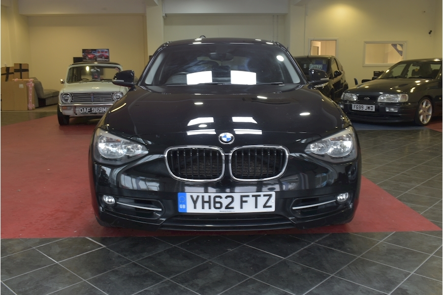 Bmw 1 Series 2.0 120D Sport - Large 1