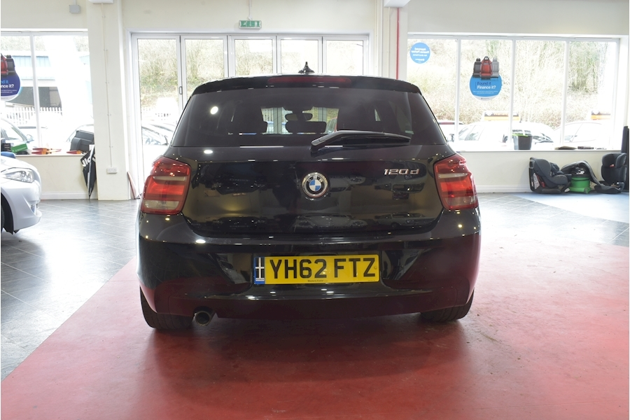 Bmw 1 Series 2.0 120D Sport - Large 4