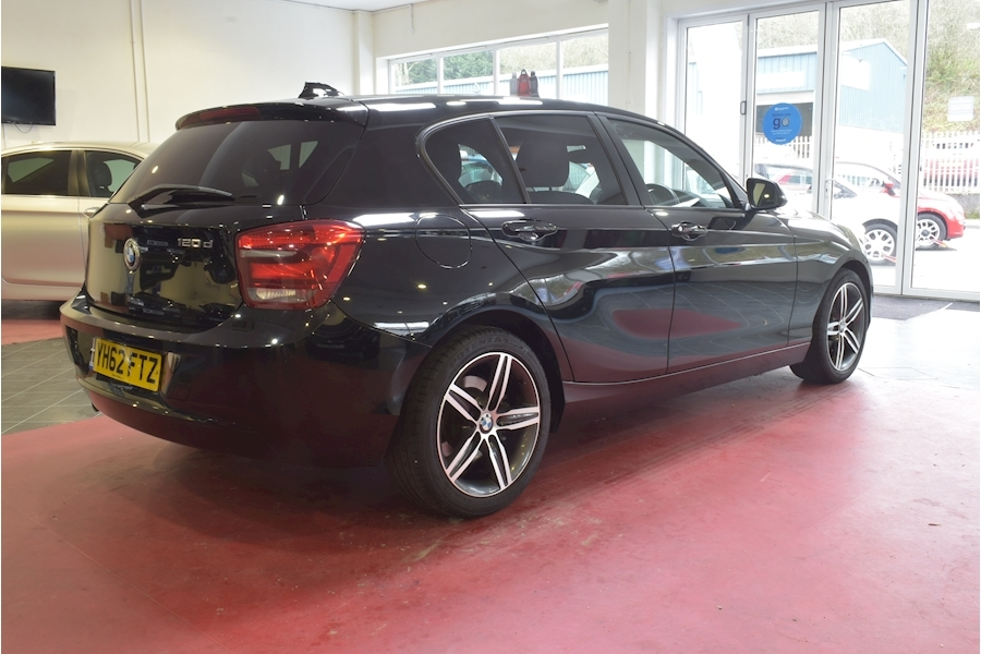 Bmw 1 Series 2.0 120D Sport - Large 5