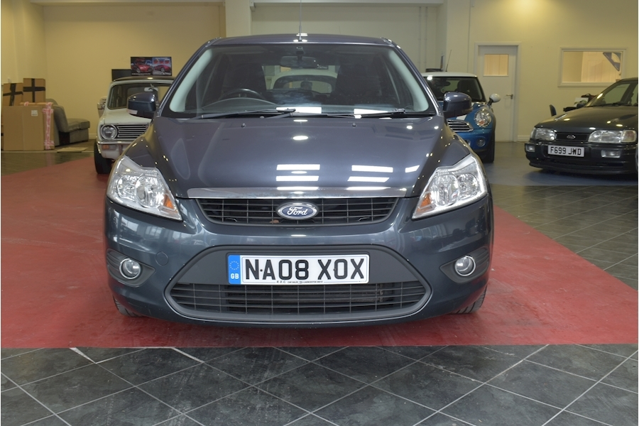 Ford Focus 1.6 Style 110 - Large 1