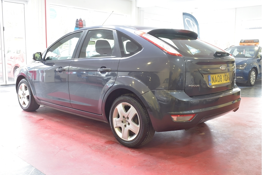 Ford Focus 1.6 Style 110 - Large 3