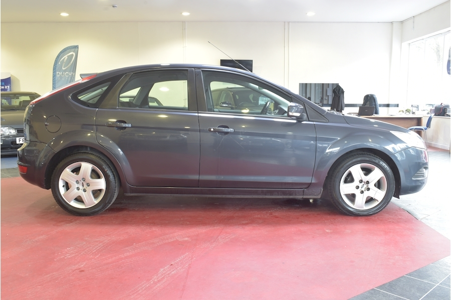 Ford Focus 1.6 Style 110 - Large 6