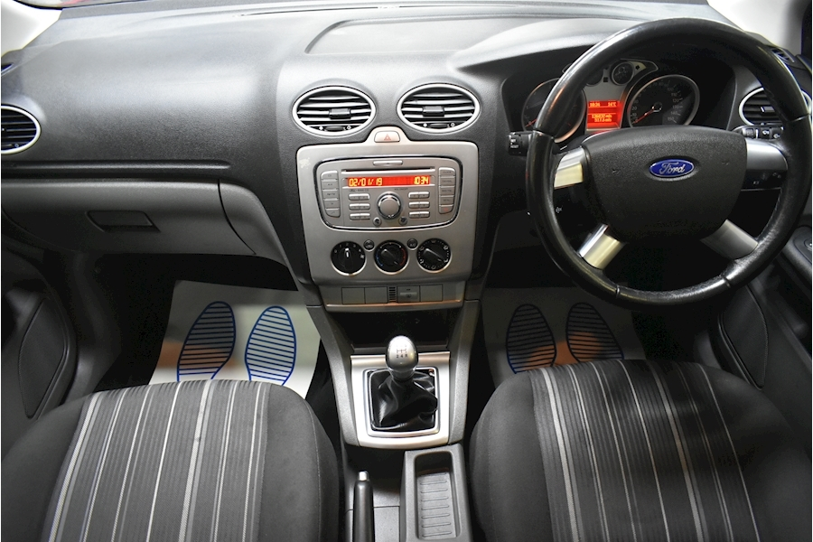 Ford Focus 1.6 Style 110 - Large 15