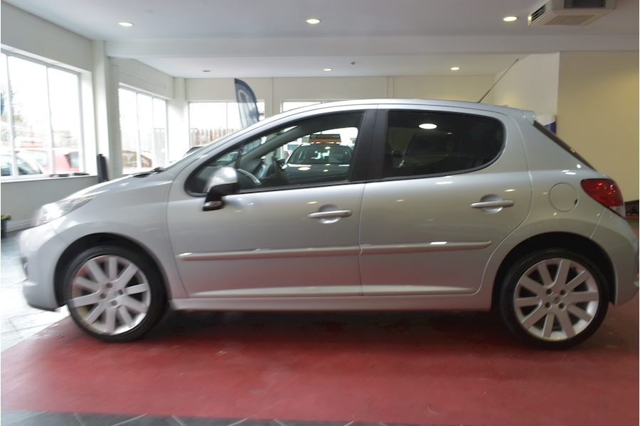 Peugeot 207 1.6 Hdi Allure - Large 3