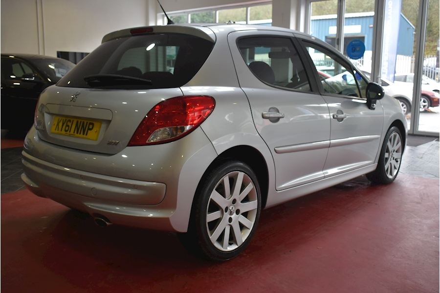 Peugeot 207 1.6 Hdi Allure - Large 6